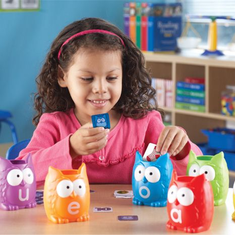 Vowel Owls™ Literacy Sorting Set